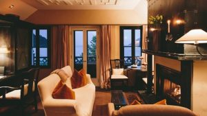 eichardts-queenstown-suites-1